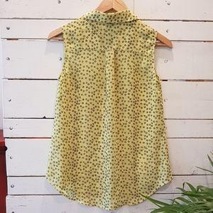 CAbi Tops - Cabi sleeveless blouse XS